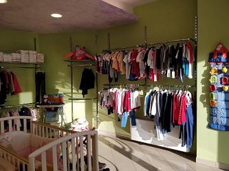 f2ff0cec35af Da Secondamanina Porto Sant Elpidio puoi vendere ed acquistare tutto cio   che riguarda il mondo dei bimbi da 0 a 12 anni. PER VENDERE